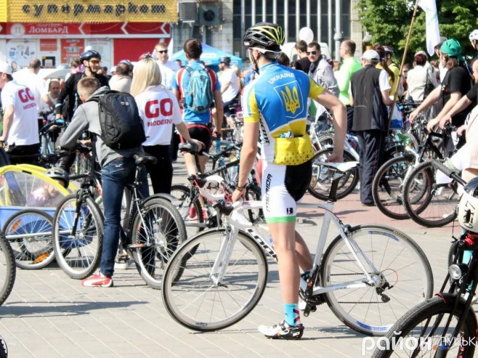 Чимало учасників були одягнені у спеціальний велоодяг, очевидно, що вони не новачки у цьому спорті