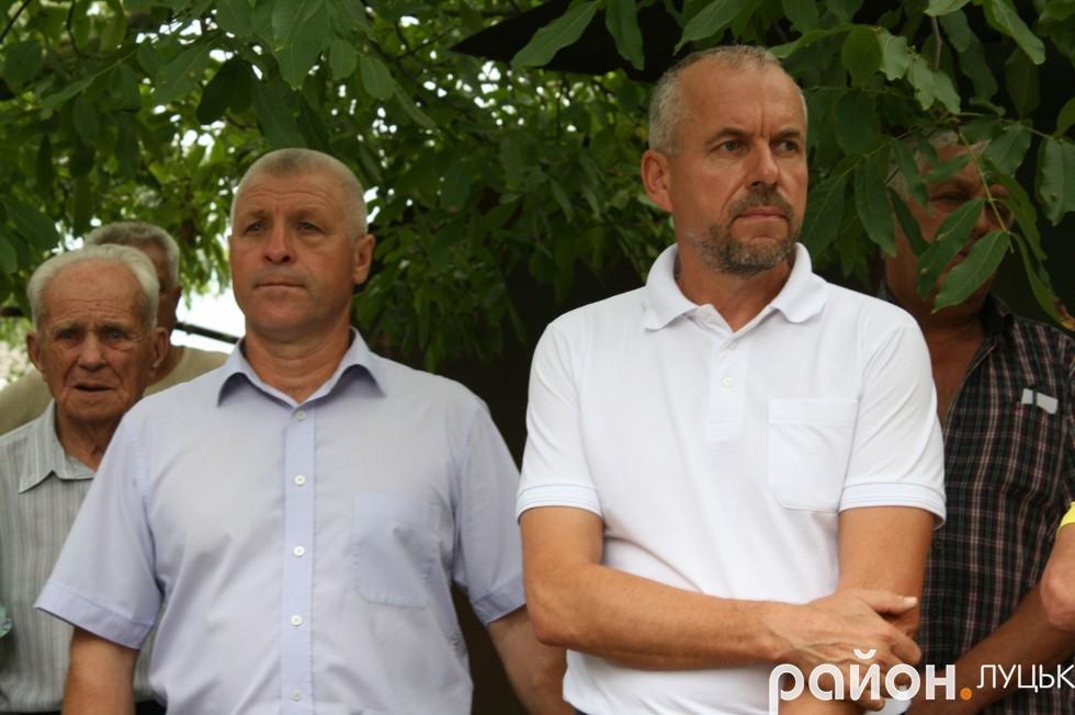 Депутат округу Сергій Савчук (зліва) та депутат міськради Сергій Балицький