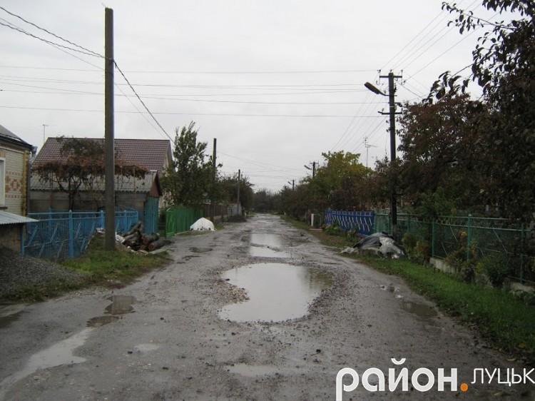 Вулиця у мікрорайоні Вересневе