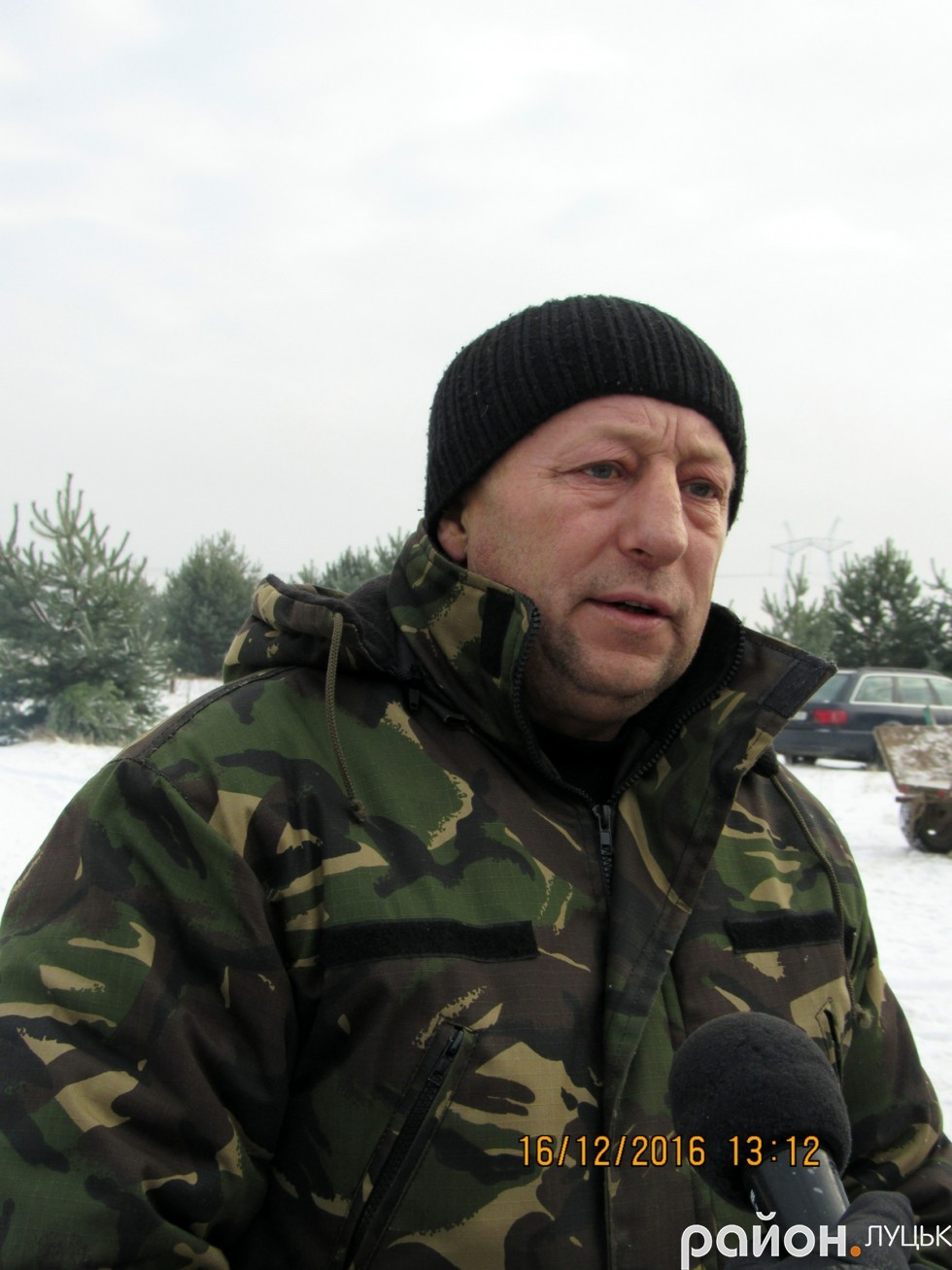 Волонтер Володимир Шнит