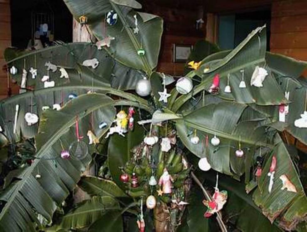 Жахливий Крампус, «серуни» та сон на підлозі – цікаві традиції святкування Різдва у світі, фото-11