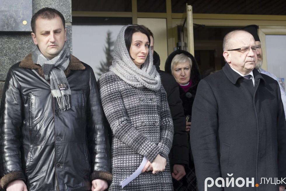 Перший заступник міського голови Тарас Яковлев (зліва), секретар Луцькради Юлія Вусенко та голова облдержадміністрації Володимир Гунчик