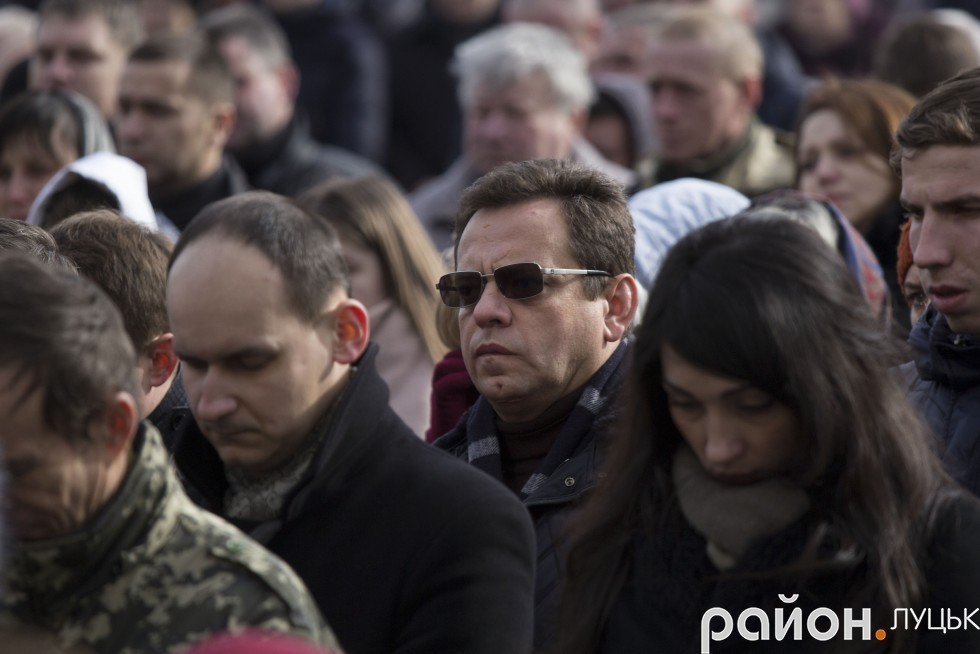 Депутат Луцькради Валерій Бондарук (в центрі)