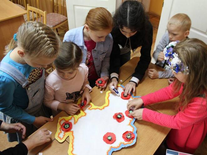 Під час одного з майстер-класів у біблітеці для дітей