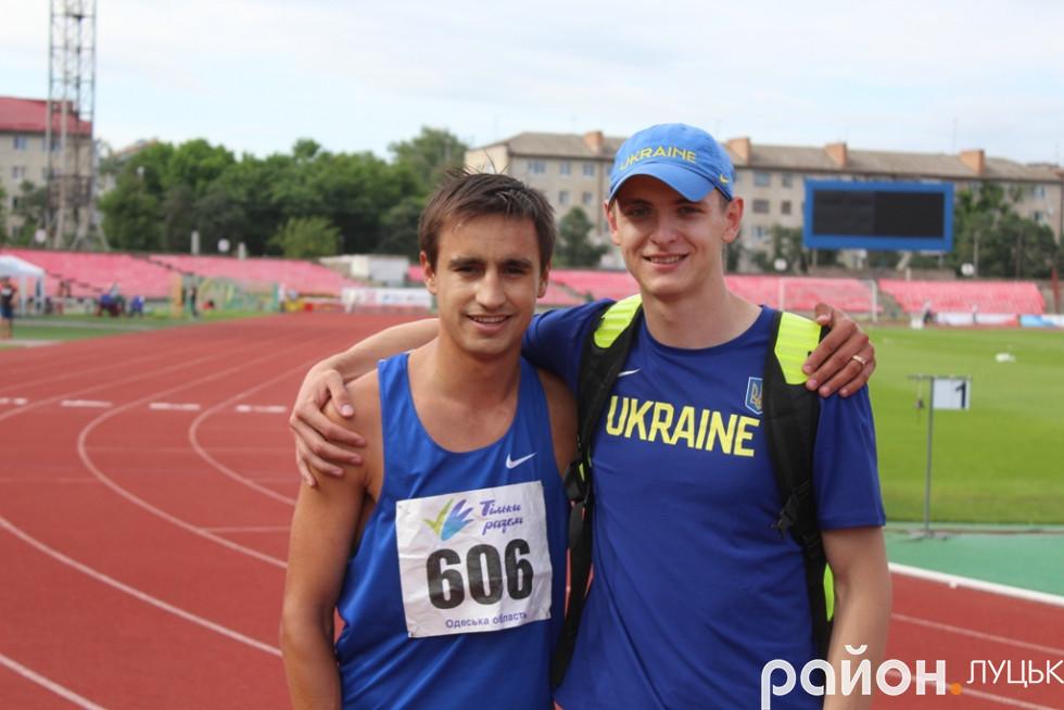 Волинський спринтер Данило Даниленко (справа) з колегою Юрієм Кіщенком з Одещини