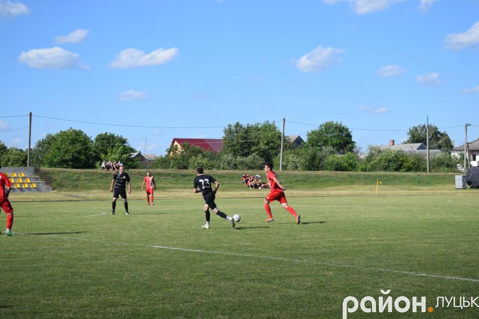 Віталій Кашуба сьогодні грав у стилі Хаві - відтягнутого диспетчера атак своєї команди