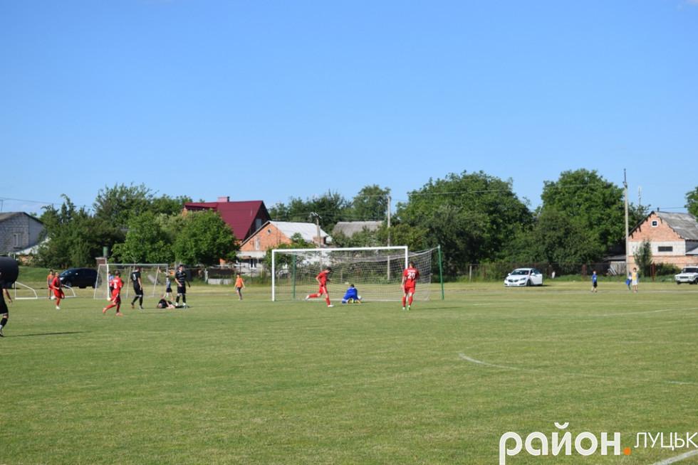 Щойно Іван Данилюк забив єдиний у матчі та переможний гол