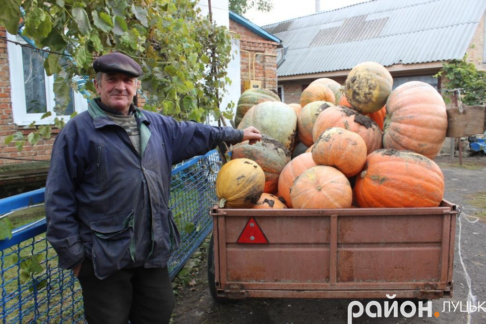Олексій Степанович та його гарбузи