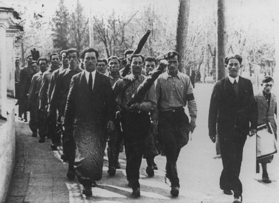 Більшість представлених сьогодні світлин в архіві були підписані як «євреї міста Луцька перед виїздом до Палестини»