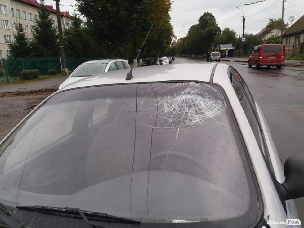 Водій Daewoo врізався головою у лобове скло