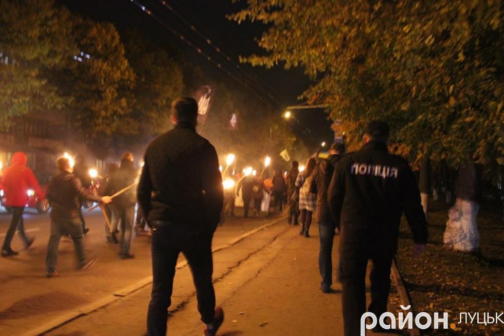 Уздовж маршруту учасників маршу супроводжували поліцейські