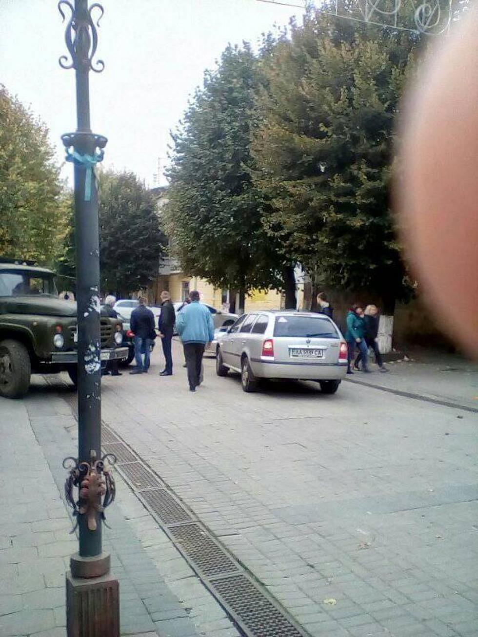 Аварія на пішохідній вулиці