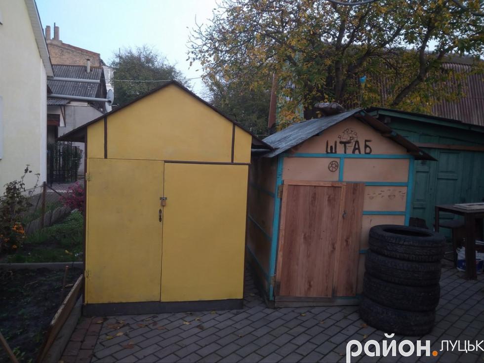 Дерев'яні будиночки, які змайстрував Андрій Іванович