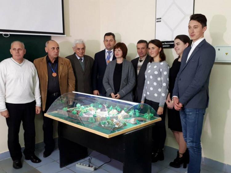 Студенти та викладачі презентували макет комплексу будівель Луцького Хрестовоздвиженського братства