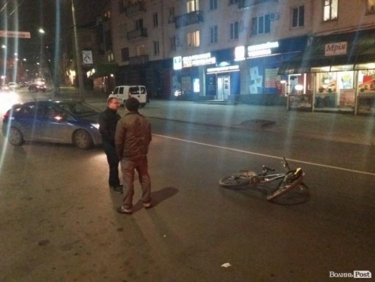 ДТП на перетині вулиць Винниченка та Євгена Сверстюка