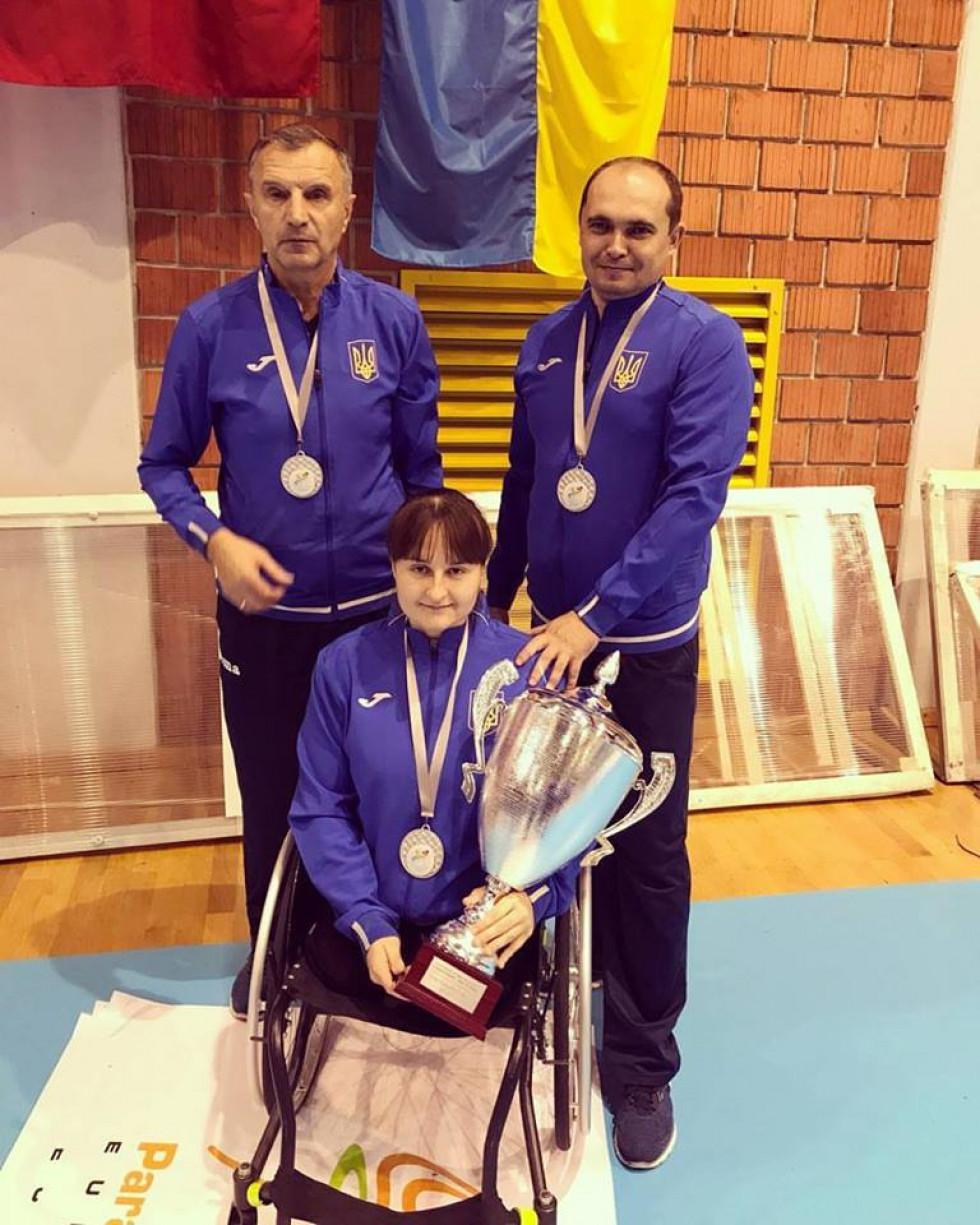 Богдана Караванська з тренерами збірної України з параволейболу