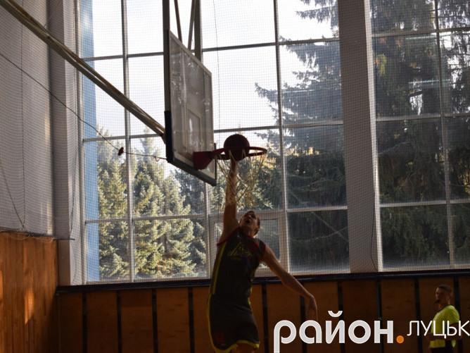 Дмитро Швагринський у матчах проти «Київ-Баскета» забивав навіть «слем-данками»