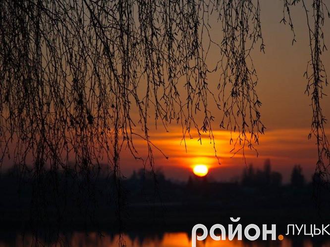 Захід сонця у селі Несвіч