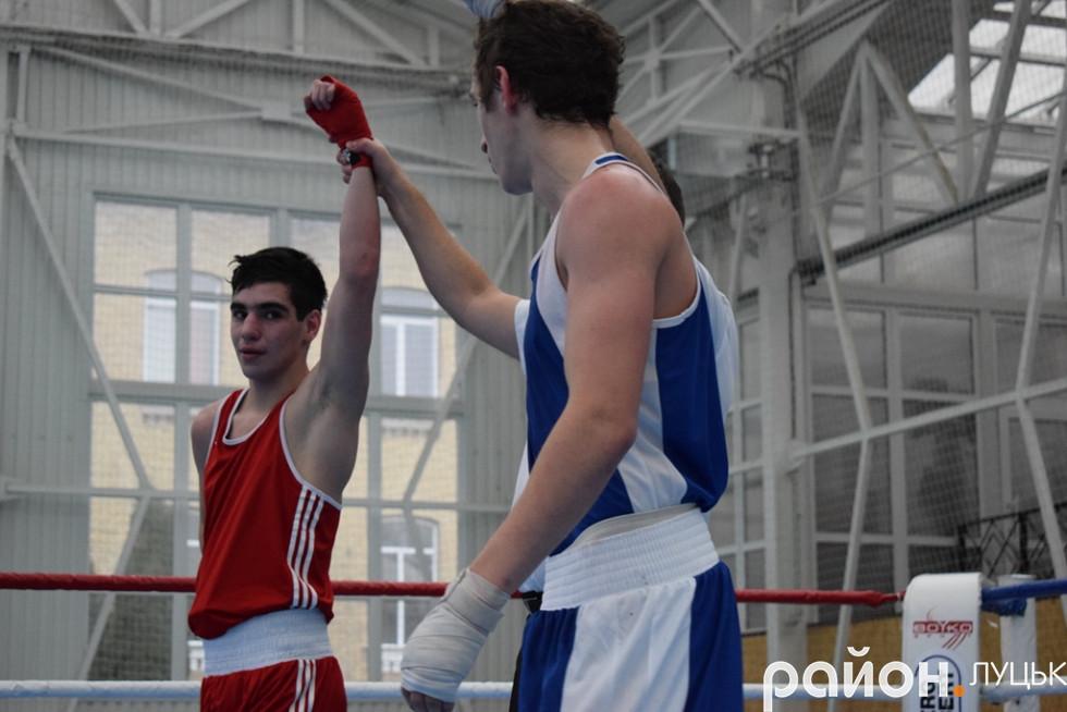 У деяких боях, як наприклад між представниками Бердичева та Білорусі, судді фіксували бойову нічию
