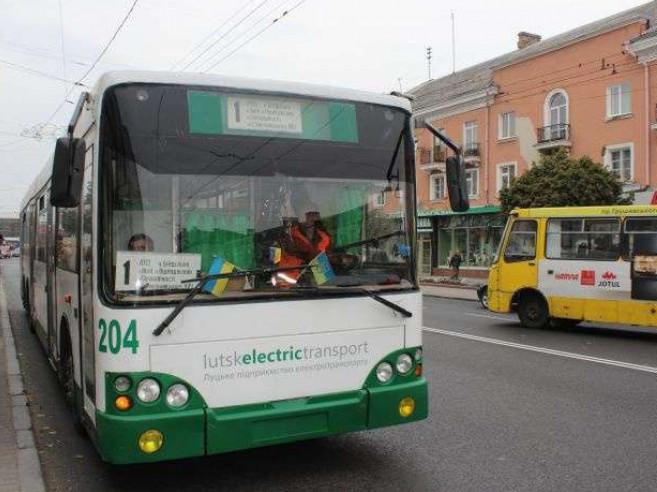 Транспортною мережею охоплено понад 70 вулиць