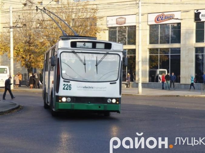 Діти переселенців їздитимуть тролейбусами безплатно