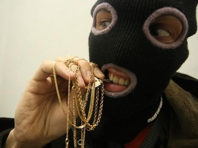 Злодій виніс «ювелірки» на 20 тисяч