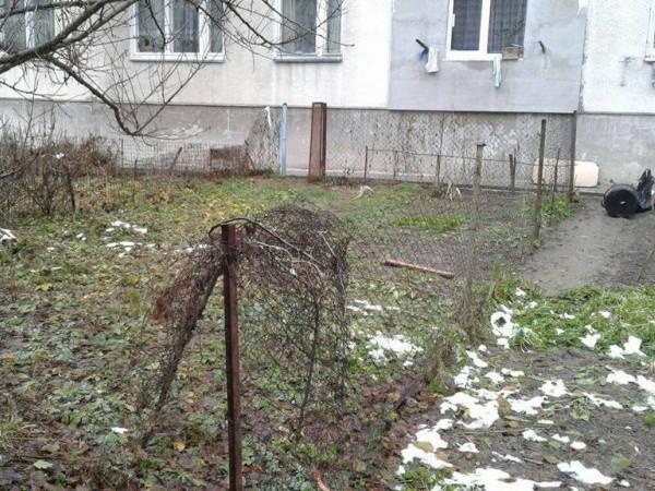 У Луцьку демонтували паркани та огорожі