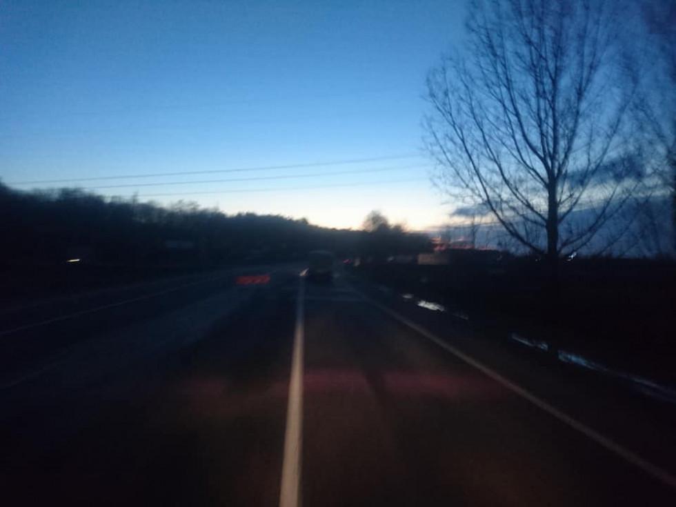 Автобус майже не видно