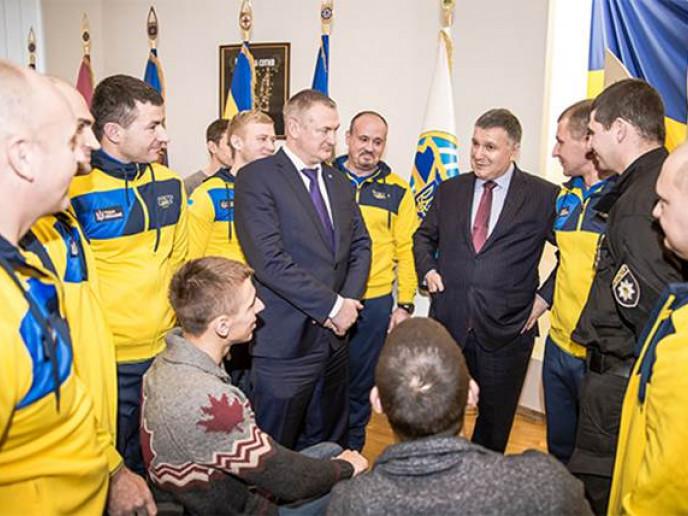 Аваков і Князєв вітають учасників «Ігор»