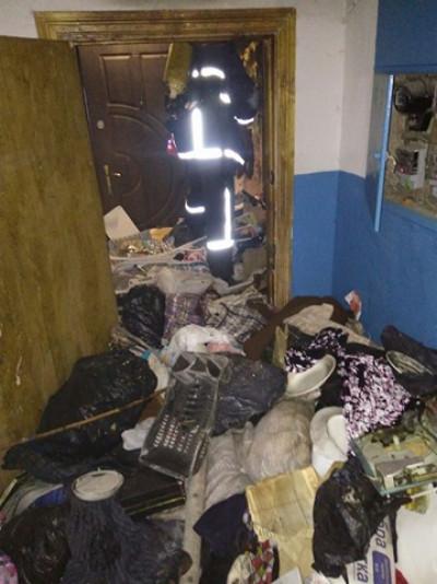 Житель квартири мав манію зносити непотріб у домівку