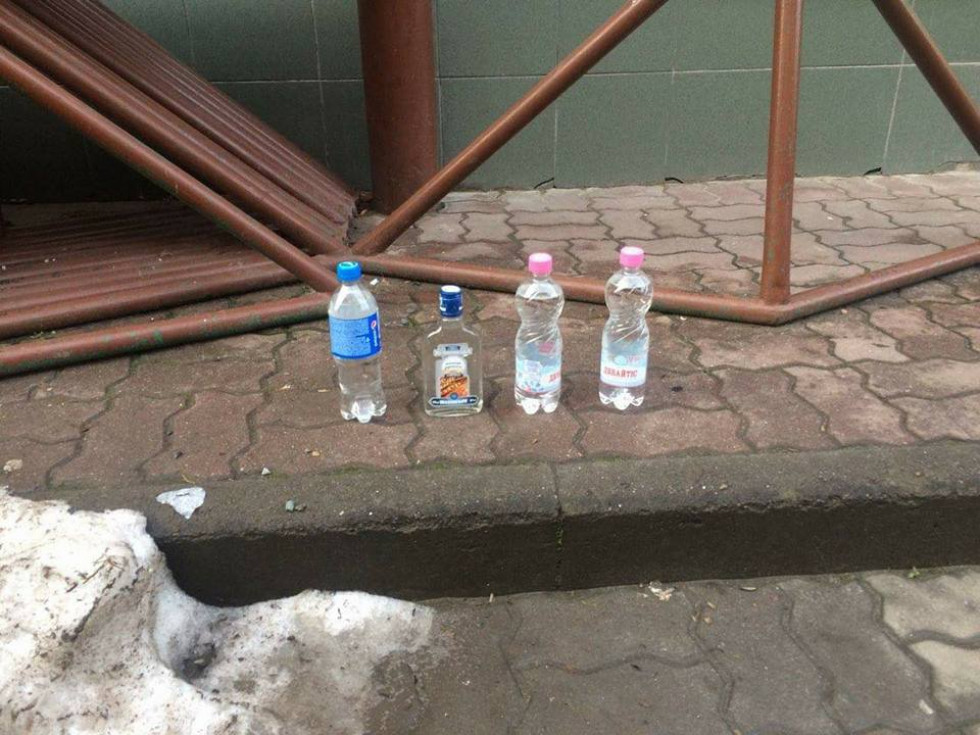 Муніципали викрили місце продажу неякісного алкоголю