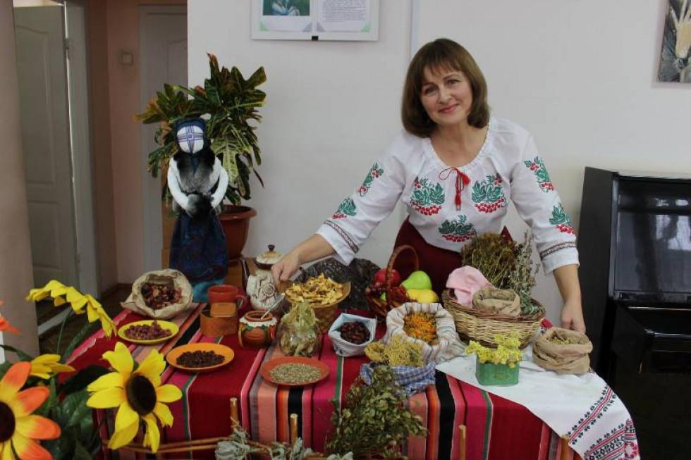 Присутні насолоджувалися виставкою «Чай з усього світу»