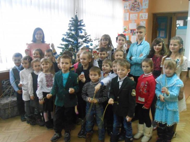 Дітлахи отримали подарунки від Миколая