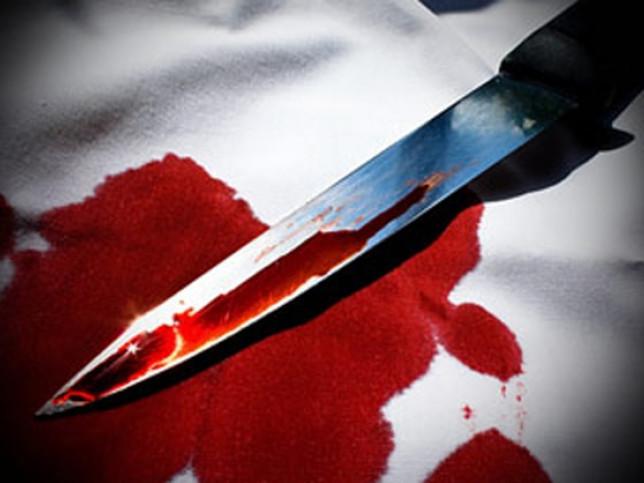 Встромив ножа у чоловіка декілька разів