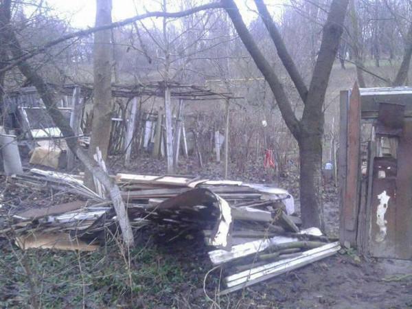 Понищені паркани та огорожі прибрали з дворів на Ветеранів