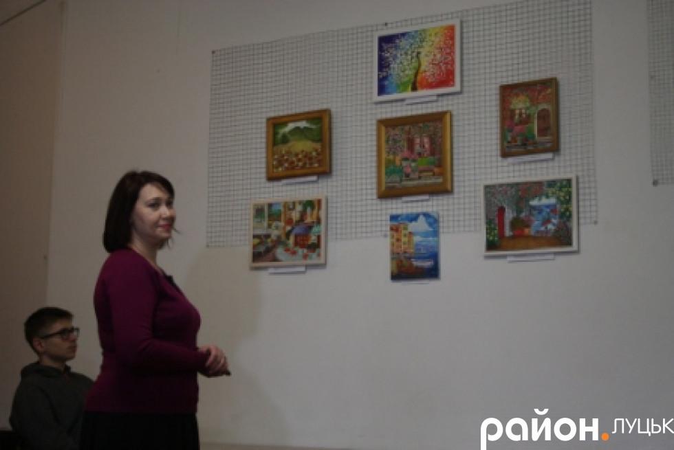 Картини пишуть жінки, які до того ніколи не займались художньою творчістю