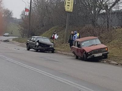 ДТП на Карпенка-Карого