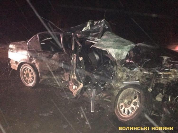 Водій і  пасажир загинули на місці