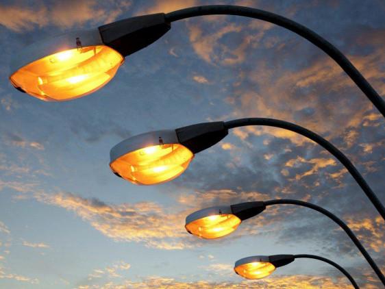 Лучани скаржаться на відсутність освітлення