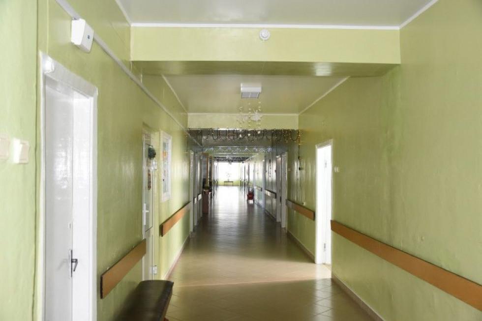 Відремонтували підлогу, стіни та стелі в коридорах