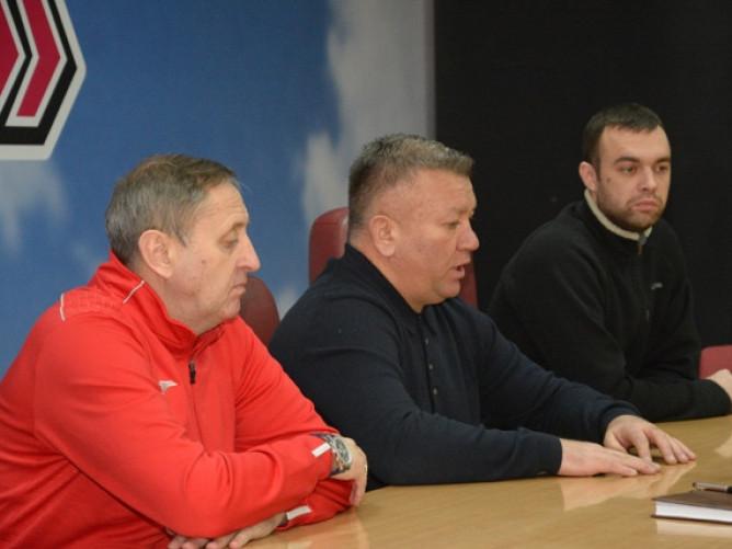 Віктор Богатир (справа) та Валентин Кошельник (у центрі) розповідали про плани «Волині» на майбутнє