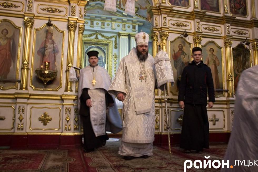 Службу вів митрополит Луцький і Волинський Михаїл
