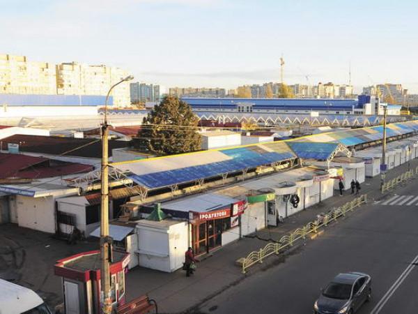 Варшавський ринок Луцька