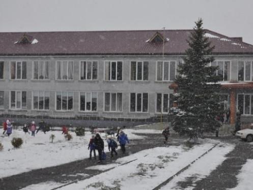 Школа у с. Лище