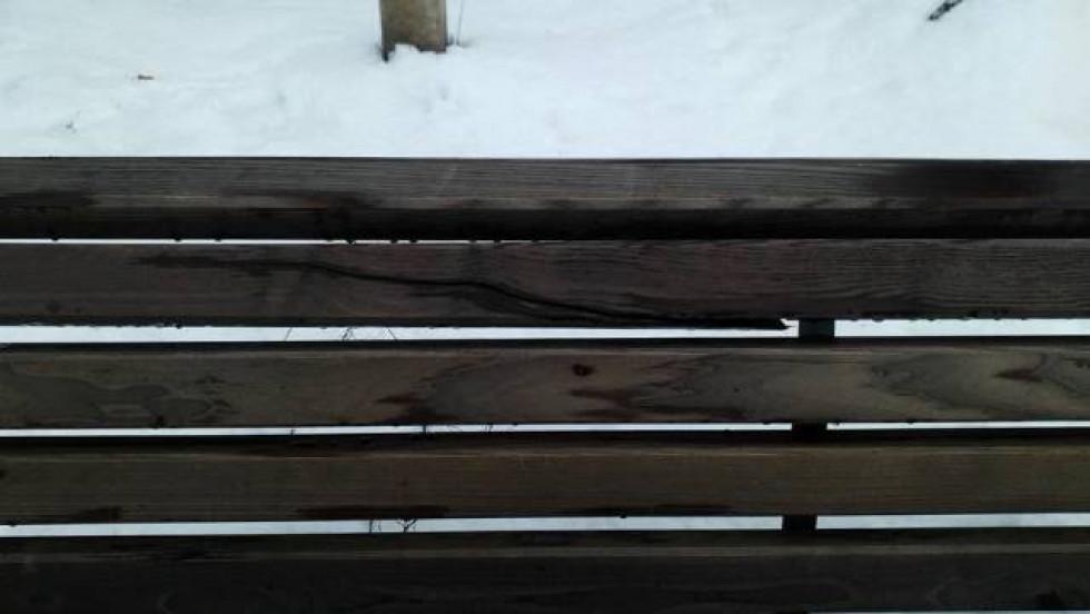 Від надмірної вологості деревина руйнується