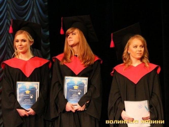 Магістрам ЛНТУ вручили дипломи