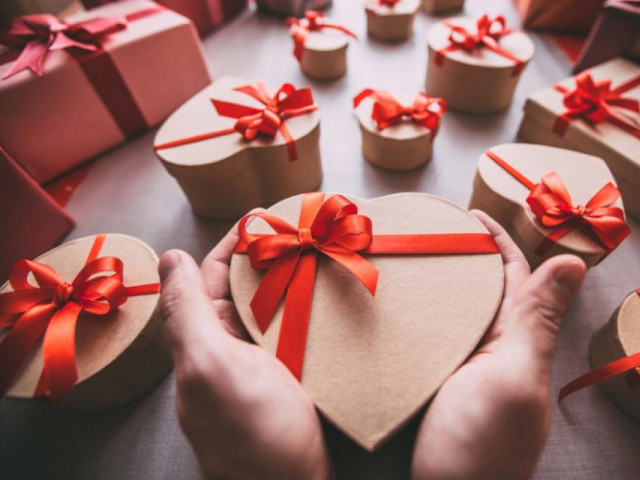 Подарункові коробки до Дня закоханих