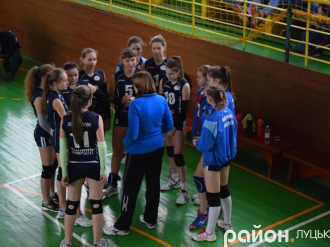 Юні луцькі волейболістки знову «наробили шороху» у Дитячій лізі України