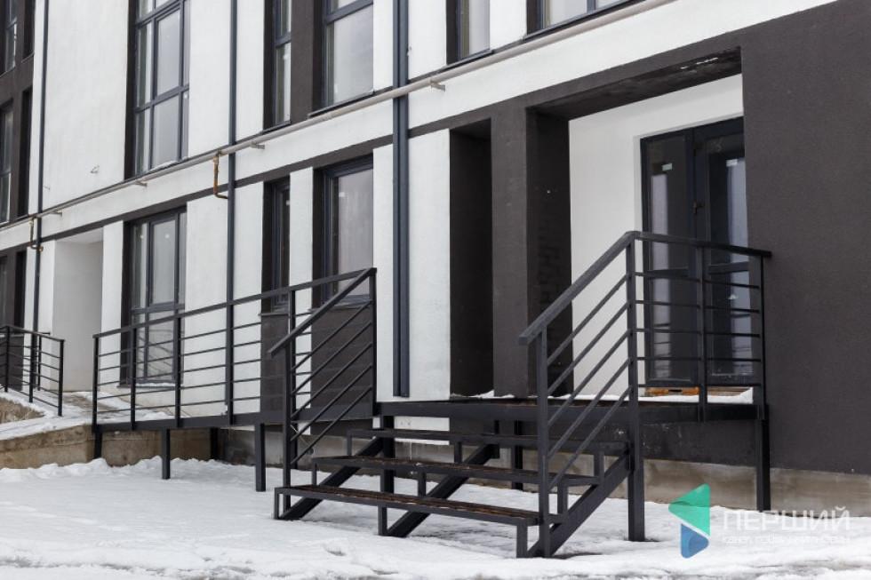 Облаштування сходів і пандусу на вході