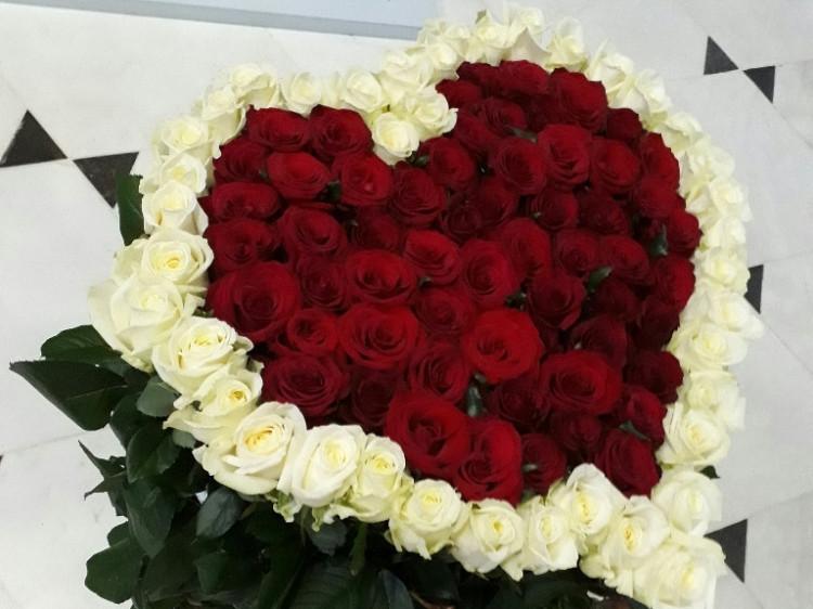 У Луцьку можна замовити квіти з доставкою